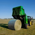 John Deere B-Wrap™ with Tama SCM™ Technology Bale Netwrap